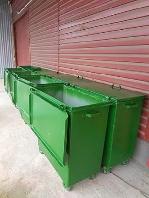 Контейнер для сбора ТБО в камерах мусоропровода.